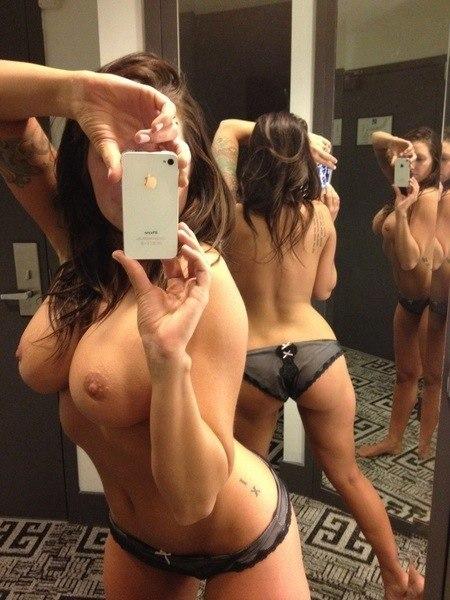photo topless pour les réseaux sociaux